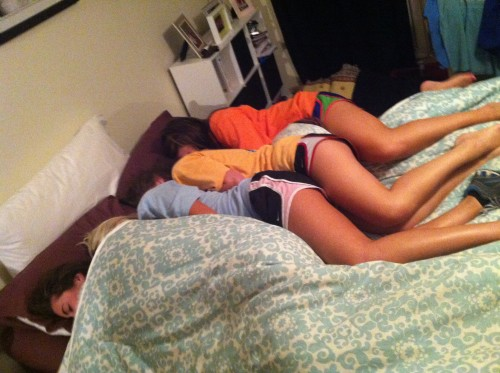 5 girls 1 bed. TSM.