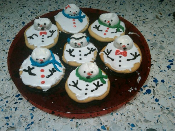 Melting snowmen cookies. Thanks Pinterest!
