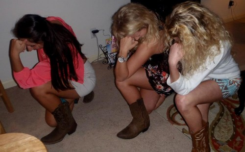 Tebowing in cowboy boots. TSM.