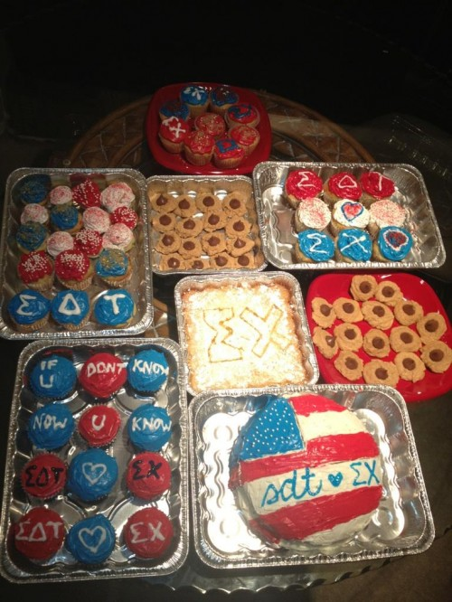 48 cupcakes, 31 cookies, 1 lemonbar cake, 1 double layer cake. All American. TSM.