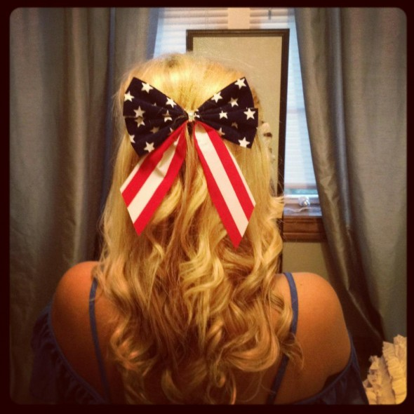 Two of my favorite things: America and bows. TSM.