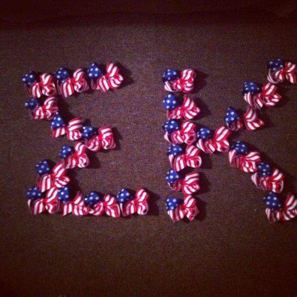 American flag hair bows. TSM.