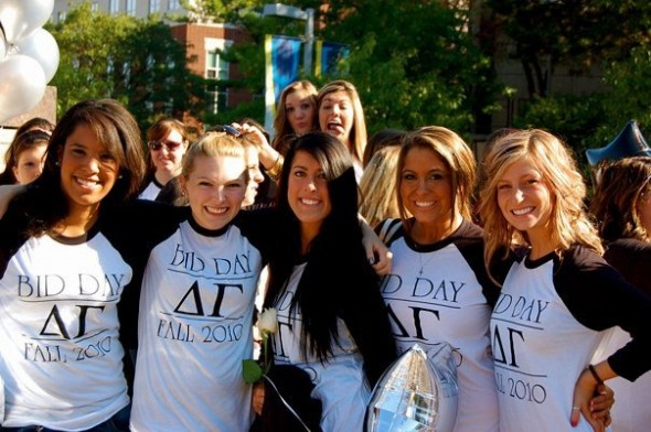 Instantly becoming best friends on bid day. TSM.