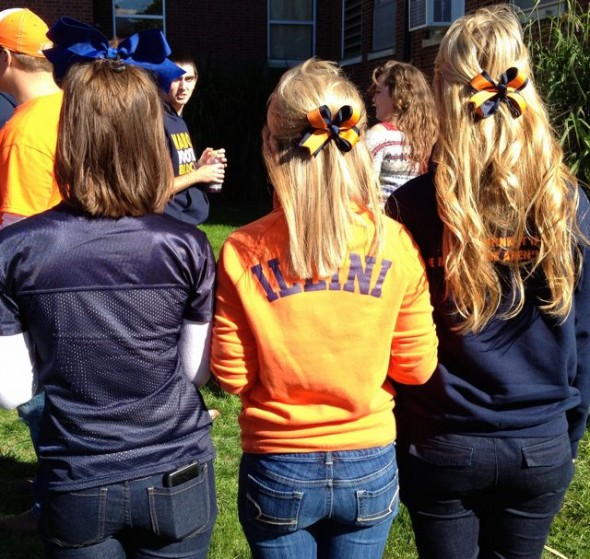 Showing our gameday spirit from our bows to our toes. TSM.