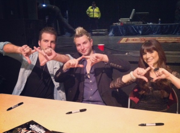 Gloriana throwing what they know! TSM.