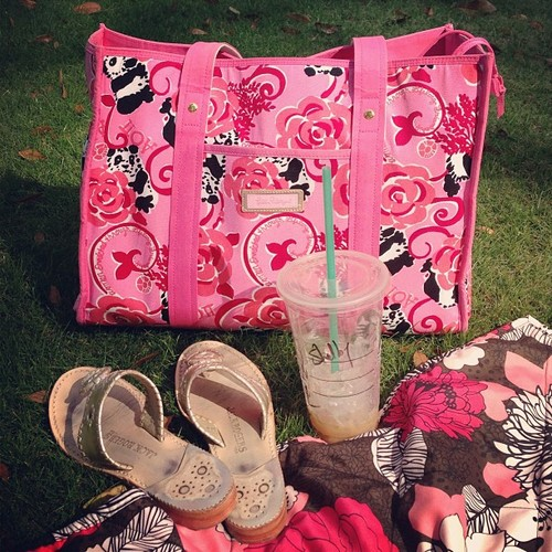Perfect afternoon spent with sisters on the lawn. TSM.