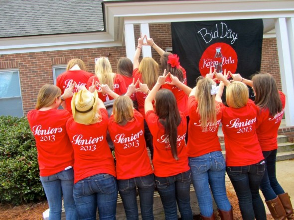 Seniors throwin' what we know on bid day. TSM.