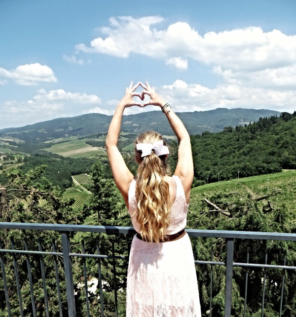 Every sorority girl's dream: Italian wine country. TSM.