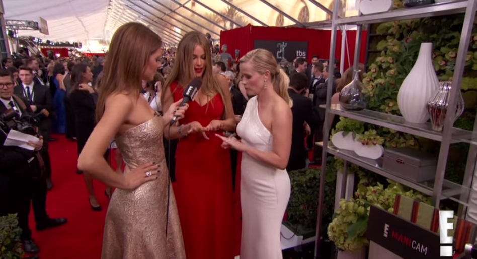 How To Actually Tolerate This Season's Various Award Show Red Carpets