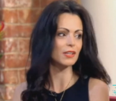 """Role Model Alert! 33-Year-Old Woman Quits Job Because She's """"Too Pretty To Work"""""""