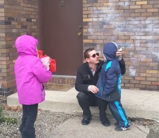 Colorblind Father Is Brought To Tears As He Sees His Kids' Eye Color For The First Time