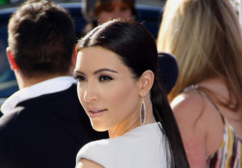 Kim Kardashian free wallpapers,stars and archive download wallpaper