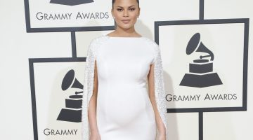Chrissy Teigen Offers To Be Kim Kardashian's Surrogate