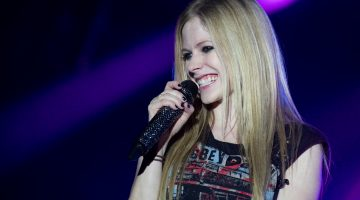 Avril Lavigne Starts Social Media Beef With Mark Zuckerberg To Defend Nickelback