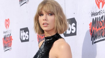 Taylor Swift Surprises 96-Year-Old WWII Veteran For Christmas