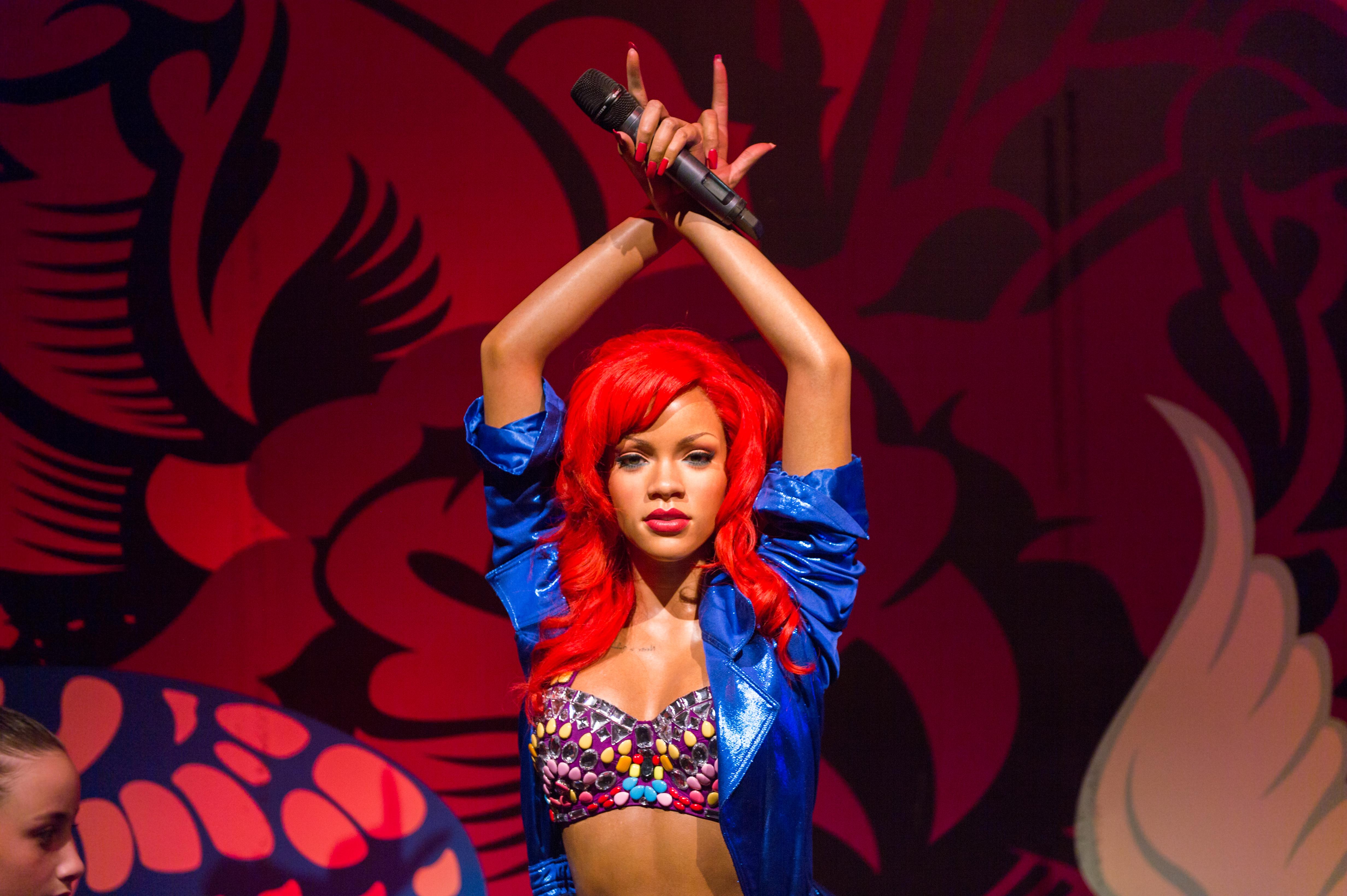 Wearing Rihanna's New Makeup Line Won't Make You As Cool As Rihanna