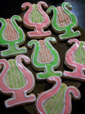 Lyre Cookies. TSM.