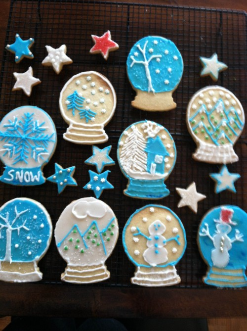 Homemade snow globe cookies. TSM.