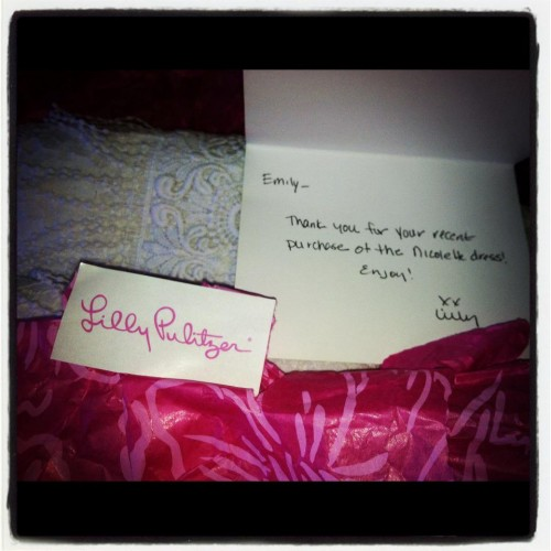 Receiving a handwritten note from Lilly Pulitzer makes today that much better! TSM.