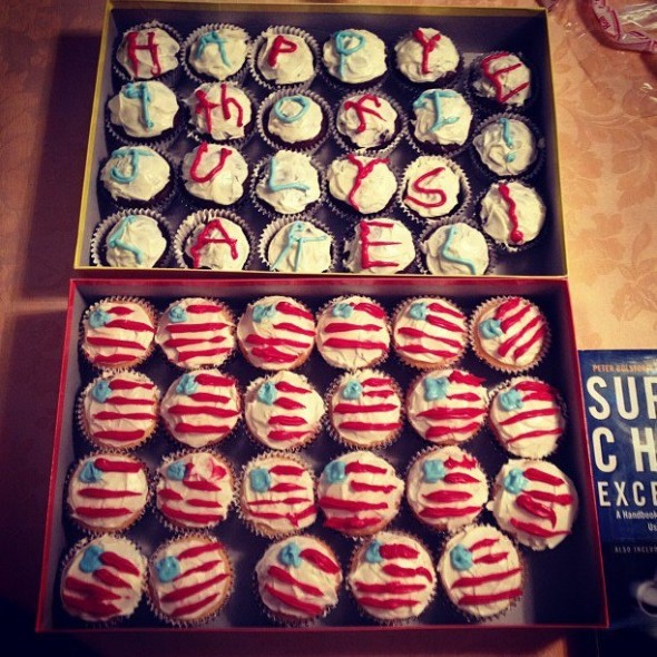 Two things I do best: baking and loving America. TSM.