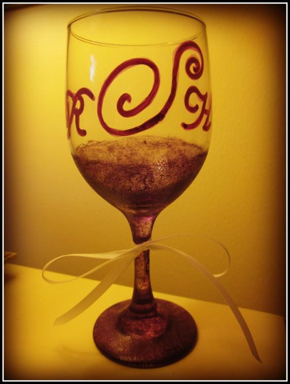 Glitter, monograms, wine and bows. TSM.