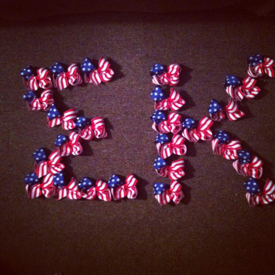 American flag hair bows. TSM.