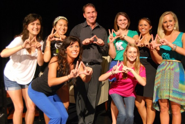 Throwing the KΔ sign with Nicholas Sparks. TSM.