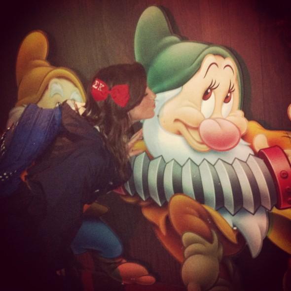 Sig Kap running Disney World one kiss at a time. TSM.