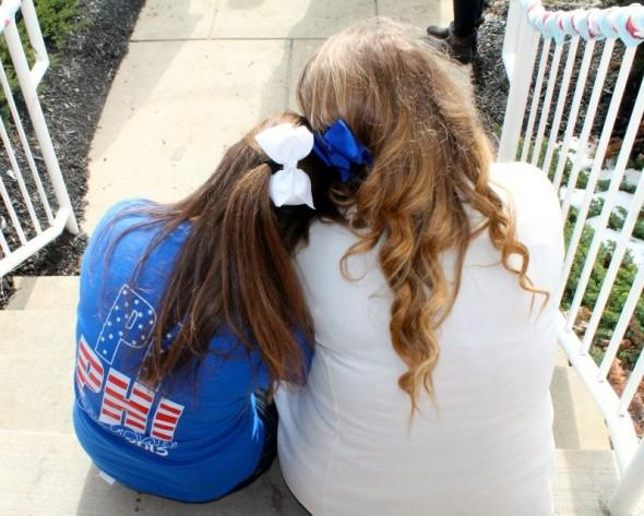 Sisters, bows, America. TSM.