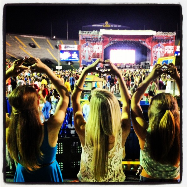 Throwin' what we know at Bayou Country Superfest! TSM.