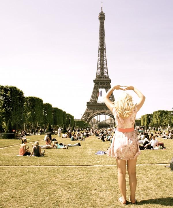 Theta Phi Alpha love in Paris. TSM.