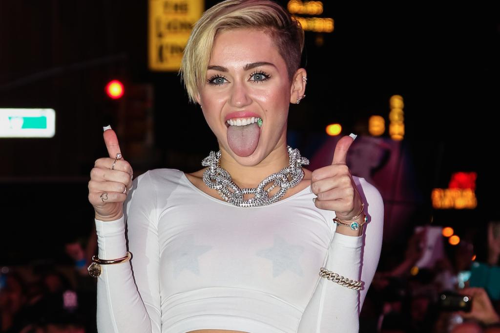 Miley Hates Kim Kardashian's Blonde Hair, Posts Hilarious Instagram Making Fun Of It
