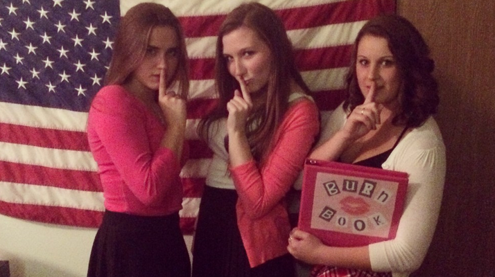 "SOS The ""Mean Girls"" Mansion Is For Sale And Would Be The PERFECT Sorority House"