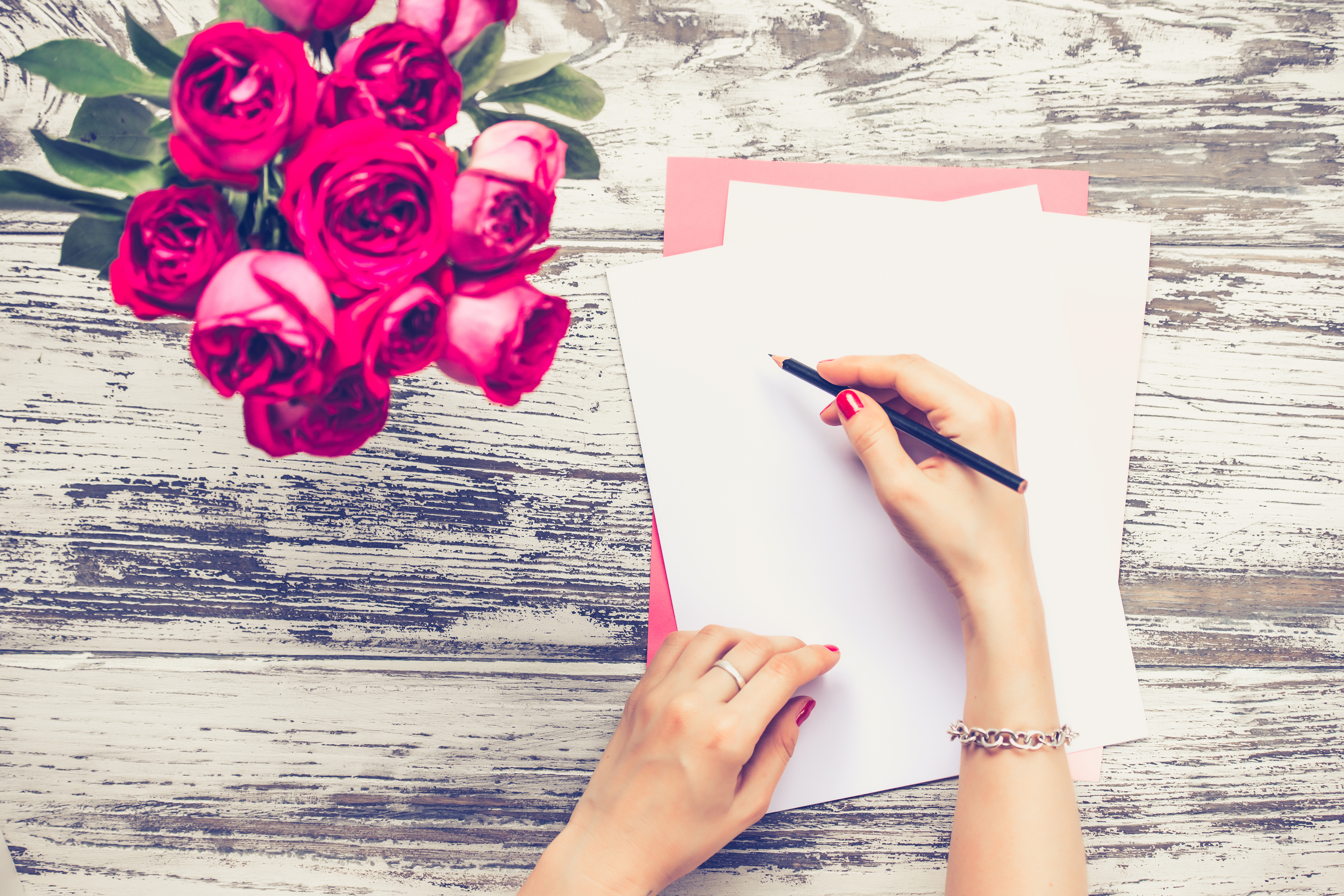 Study Shows That Open Letters Just As Important To Relationships As Real Life Commitment -- Boyfriends Not Embarrassed By Public Displays Of Love
