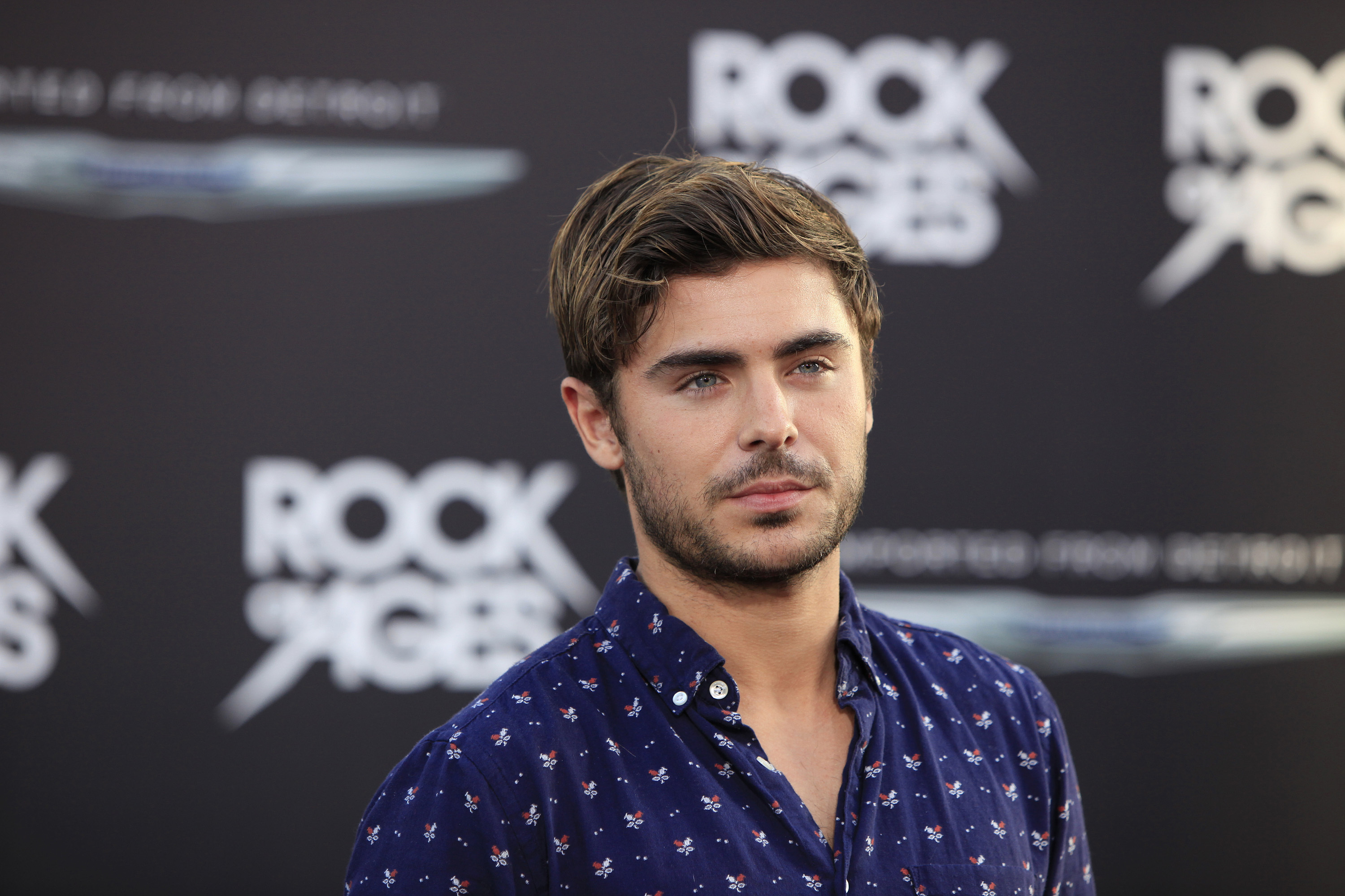 Zac Efron Says Girls Don't Like Him On Tinder, Also Zac Efron Is On Tinder