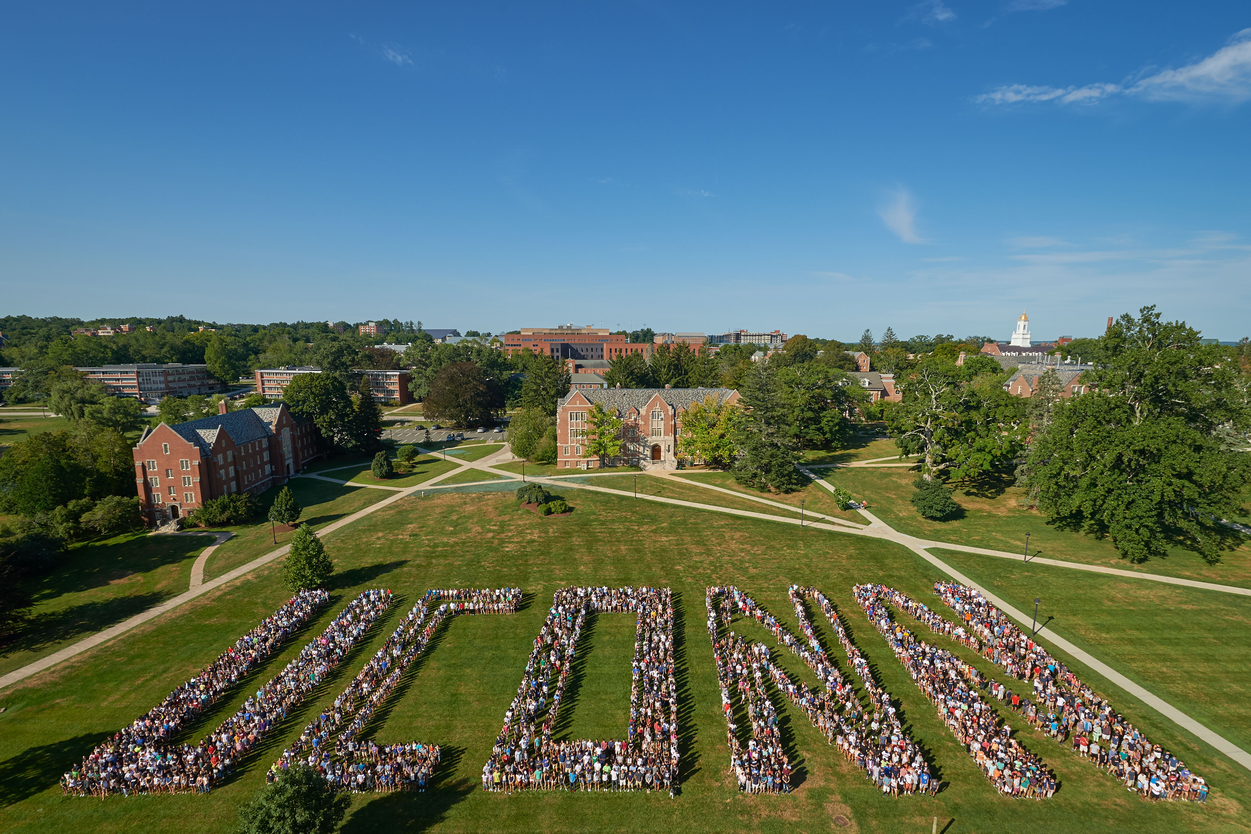 More than 3000 members of the UConn class of 2019 pose for a photo on the Great Lawn on Aug. 29, 2015. (Peter Morenus/UConn Photo)
