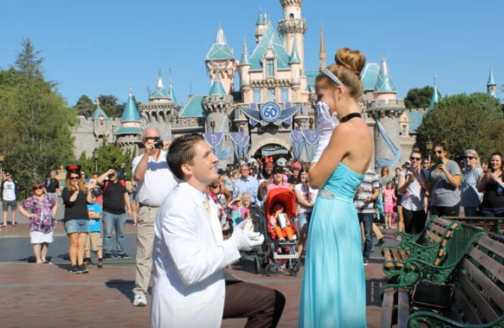 Girl Gets Engaged As Cinderella, Has No Idea How Many Group Chats She's In RN