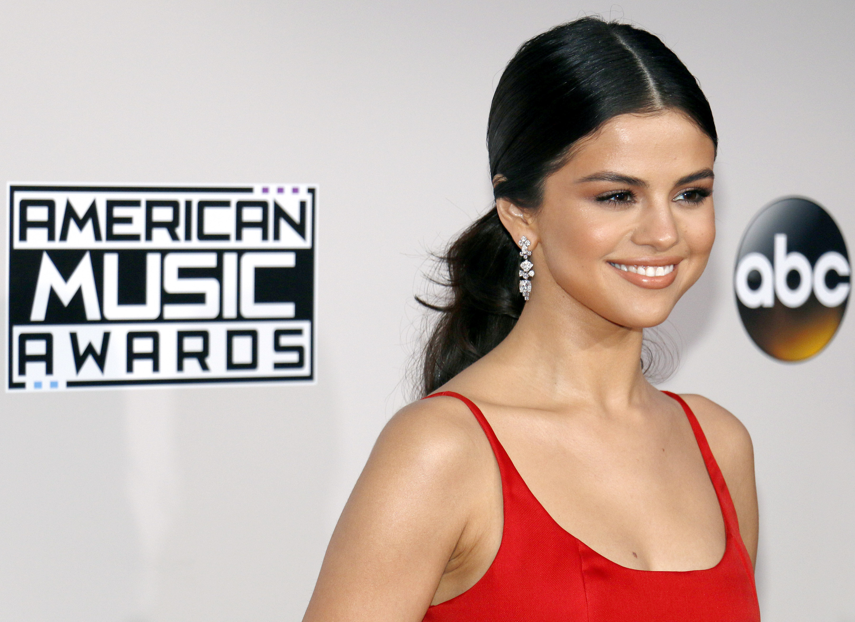 Selena Gomez Caught Making Out With The Weeknd
