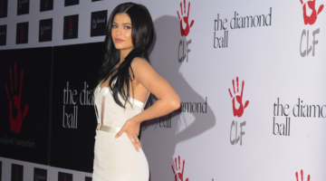 "The 14 Best ""Kylie Had Her Baby"" Tweets You Wish You Would Have Thought Of"
